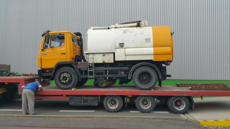 Kehrmaschinentransport der Sachsenland Transport & Logistik GmbH von Dresden nach Kiew